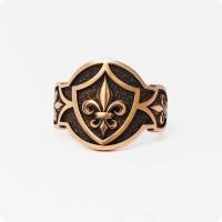 Кольцо с Геральдической Лилией из золота